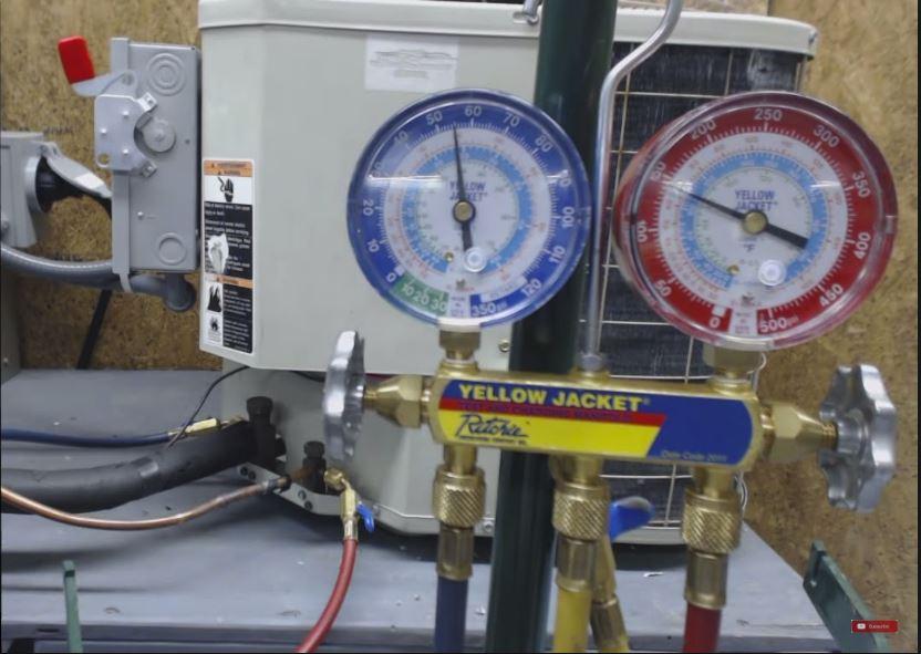 ac-refrigerant-leak-check